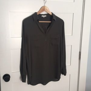 Olive pleione blouse size small